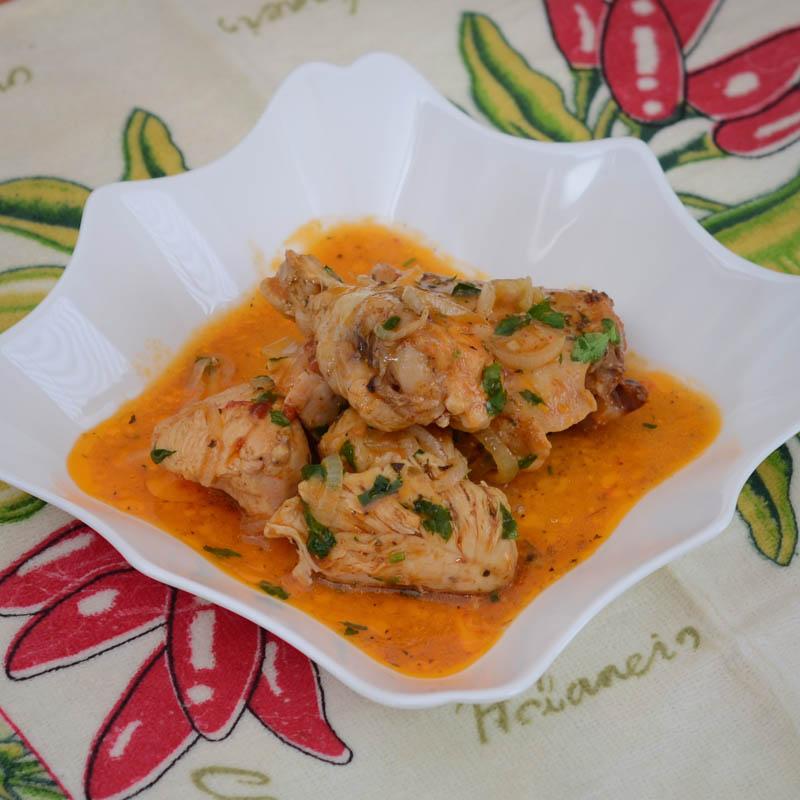 курица в томатно-пряном соусе