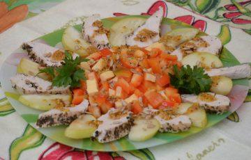 салат с грушей и куриным филе