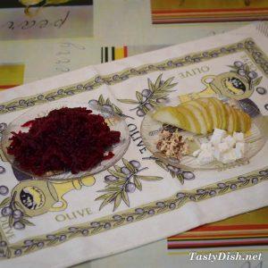 салат из свеклы, груши с сыром