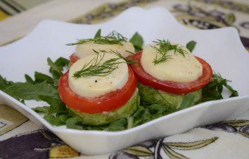кабачки запеченные с помидорами и брынзой