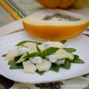 салат с дыней и сыром