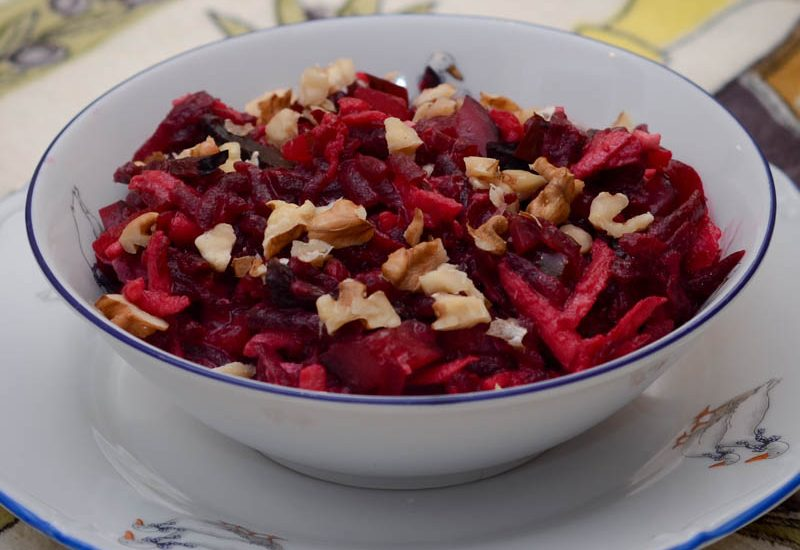 вкусный салат со свеклой и черносливом рецепт