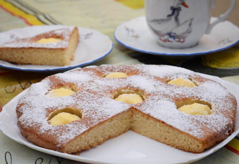 вкусный заливной пирог на кефире с творогом к чаю рецепт с фото