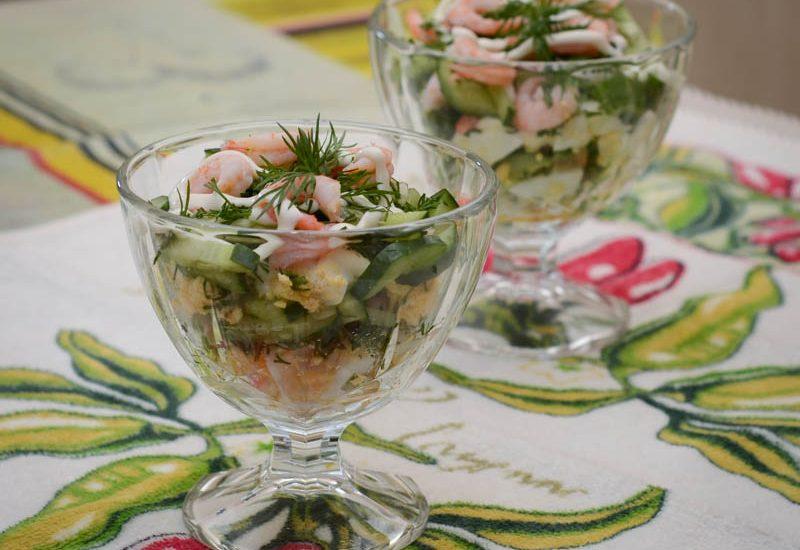 вкусный салат с креветками и огруцом рецепт с фото