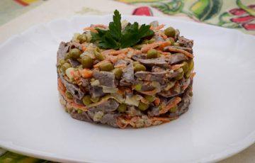 вкусный и простой салат из куриных сердец рецепт с фото