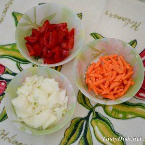 овощи для свинины запеченной с овощами с духовке