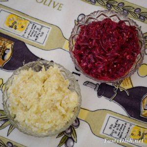 вкусный салат из сельди с сыром