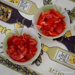 простой салат с брынзой и помидорами рецепт с фото