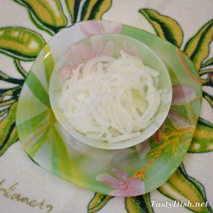 вкусный салат с баклажанами яйцом и маринованным луком рецепт с фото