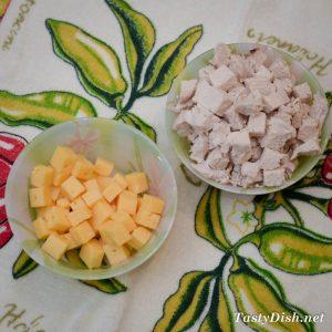 вкусный салат с куриной грудкой и виноградом рецепт с фото
