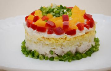 вкусный салат из куриной грудки с сыром рецепт с фото