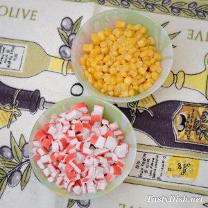 салат с крабовыми палочками самый вкусный рецепт с фото пошагово