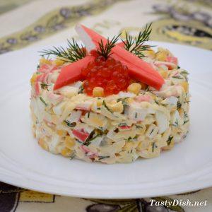 простой салат с крабовыми палочками рецепт с фото пошагово