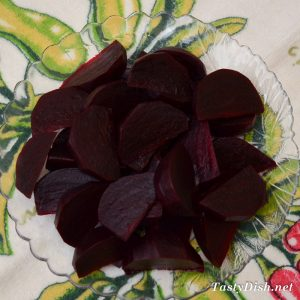 простой салат со свеклой рецепт с фото пошагово
