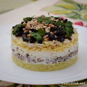 слоеный салат со шпротами рецепт с фото