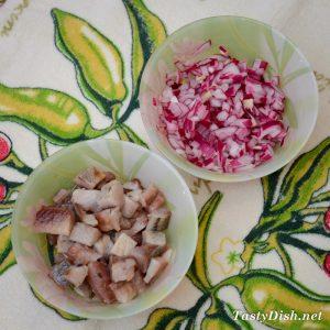вкусный салат с сельдью рецепт с фото пошагово