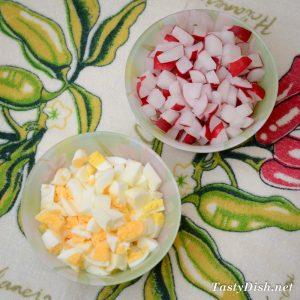 легкий весенний салат с редисом рецепт с фото пошагово