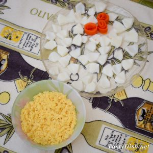 простой и вкусный салат с сыром рецепт с фото пошагово