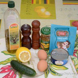 вкусный салат с тунцом консервированным и огурцом рецепт с фото пошагово