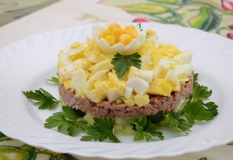 слоеный салат с тунцом рецепт с фото пошагово