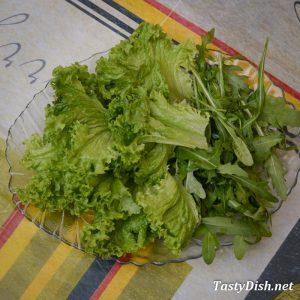 салат с клубникой и рукколой рецепт с фото пошагово