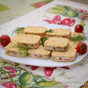 сырная закуска на крекерах рецепт с фото пошагово