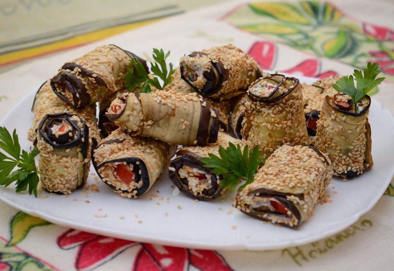 вкусные рулетики из баклажанов с творогом рецепт с фото пошагово