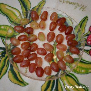 слоеный салат с виноградом рецепт с фото пошагово
