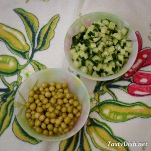 салат с пекинской капустой и горошком рецепт с фото пошагово
