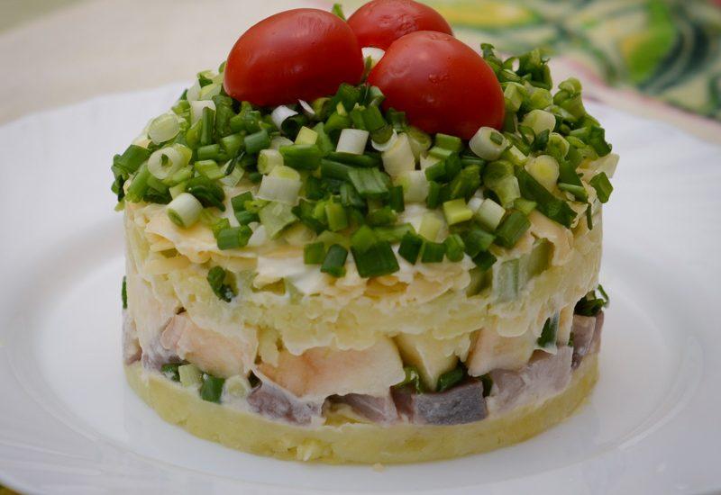 салат сельдь под шубой с яблоком рецепт с фото пошагово